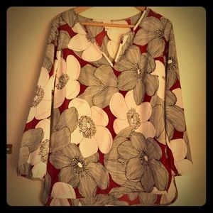 """""""Merona"""" Groovy Navy & Red Floral Blouse"""
